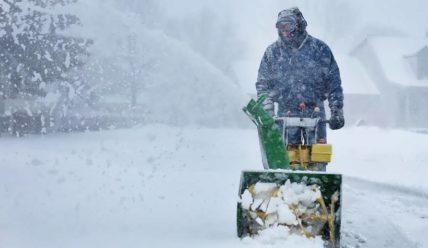 Топ 6 лучших снегоуборочных машин