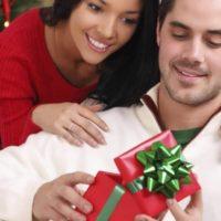 Топ 8 идей для подарков мужчинам на Новый Год 2020