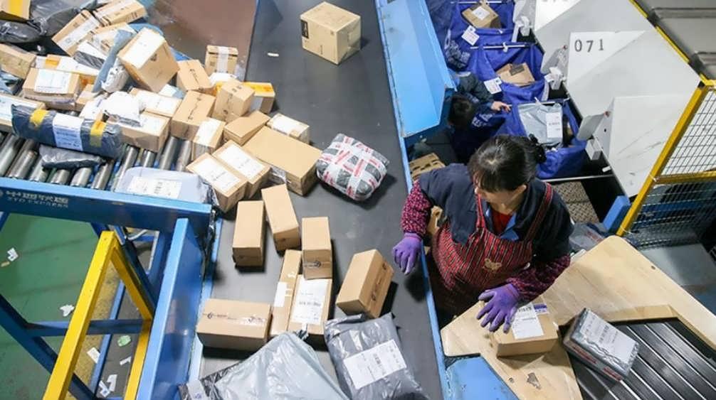 может ли коронавирус передаваться через предметы посылки